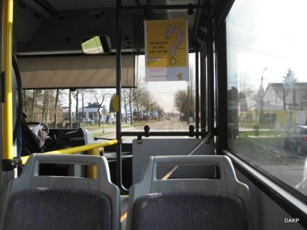 Lezende buschauffeur (2)